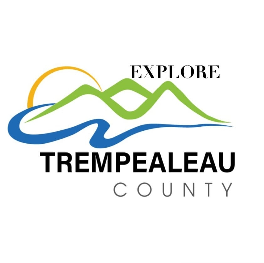 Trempealeau-County-Wisconsin-Bluffs